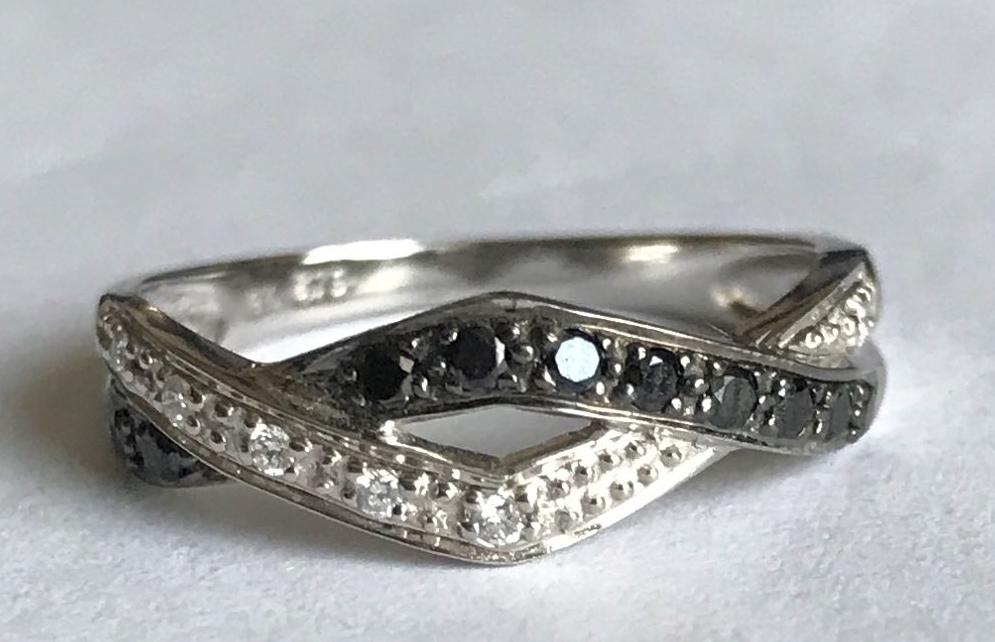 New Product Black and White Diamond Ring 9 ct Gold