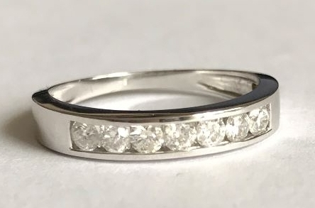 New Product Diamond Eternity ring in White Gold
