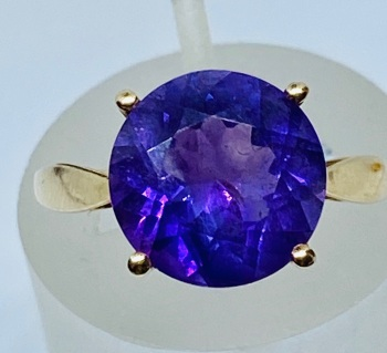 Amethyst Ring in gold  Size N