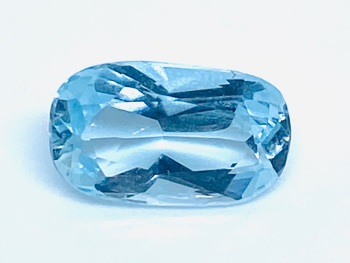 Aquamarine  Oval  1.68cts 10mm x 6mm   Aqu006