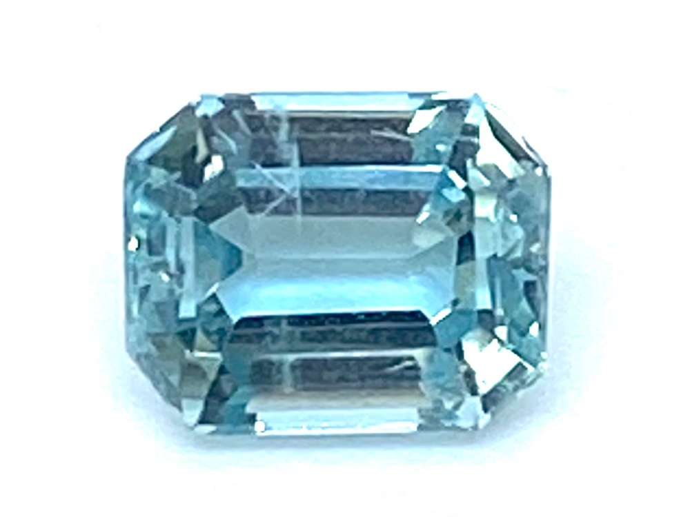 Aquamarine  Trap 1.92cts 8mm x 6mm   Aqu0010