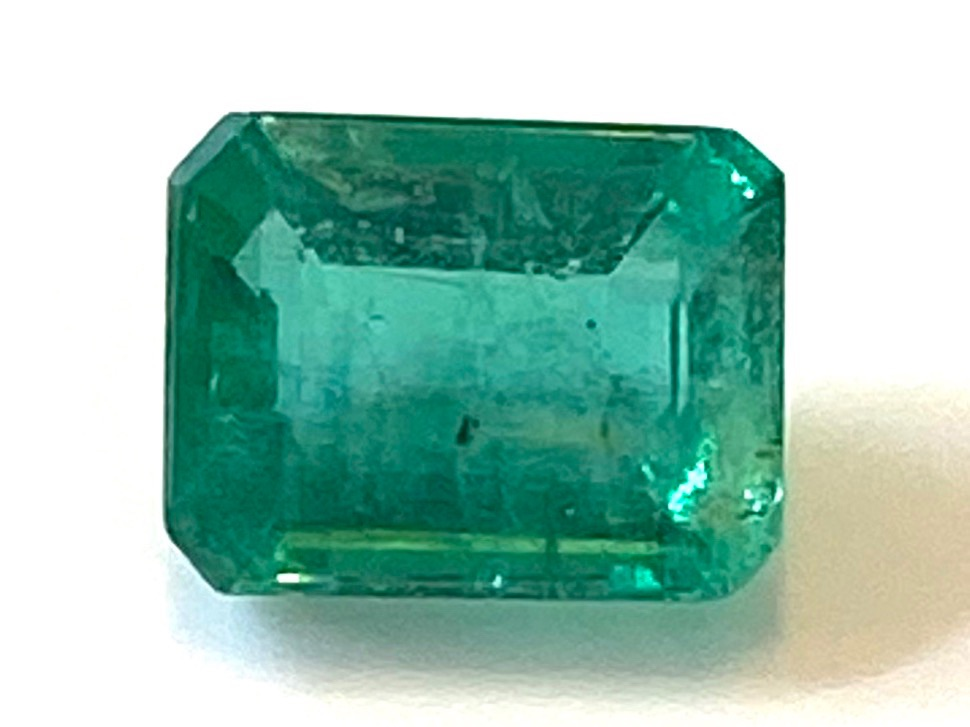 Emerald  Octagon 6.5mm x 5.2mm   1.06cts    Eme017