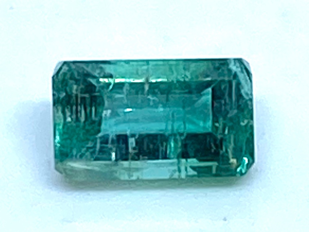 Emerald  Octagon 7mm x 4mm   0.98cts    Eme025