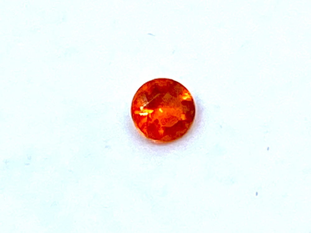 Fire Opal Round  0.05cts  2.8mm    Opa005