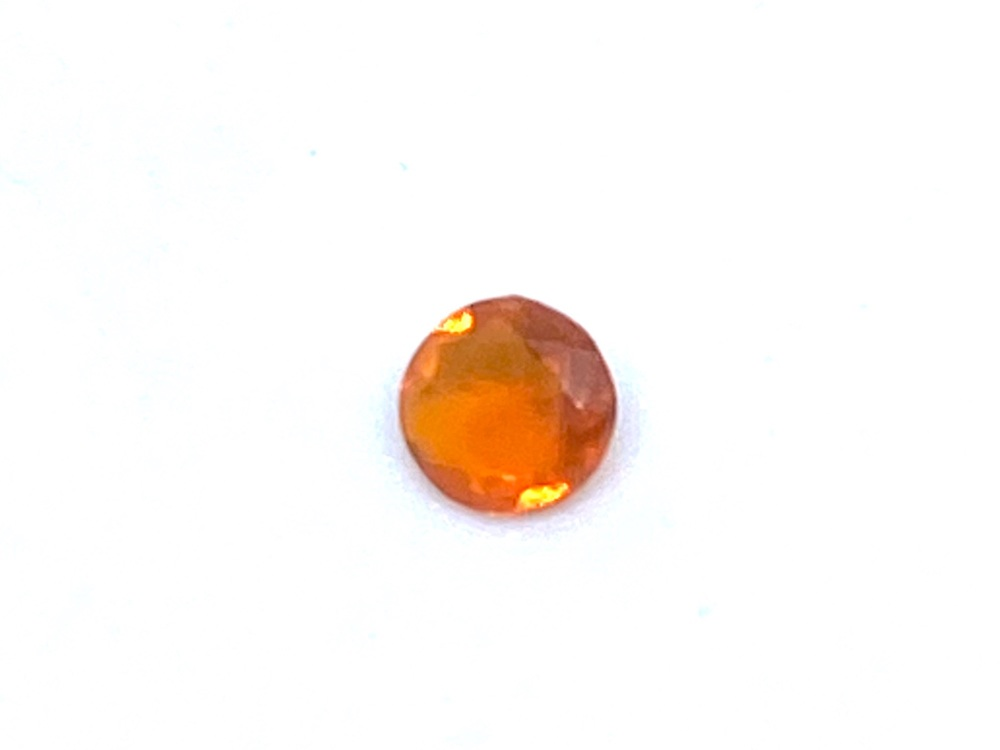 Fire Opal Round  0.06cts  3.2mm    Opa006