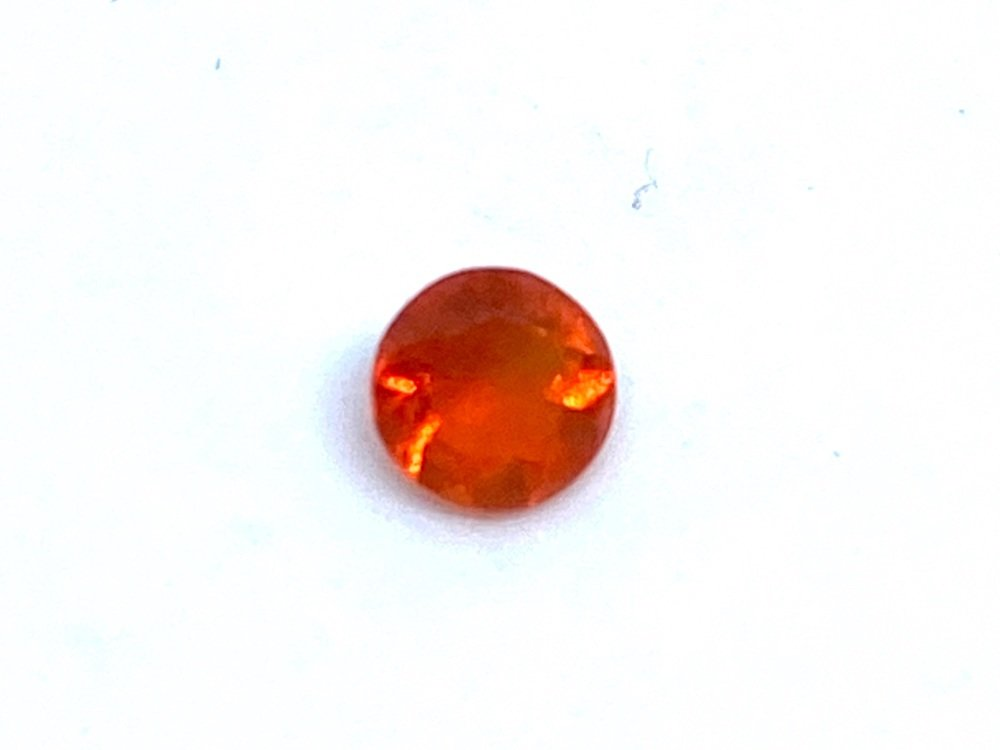 Fire Opal Round  0.10cts  3.6mm    Opa008