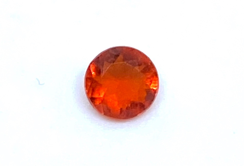 Fire Opal Round  0.11cts  3.6mm    Opa010
