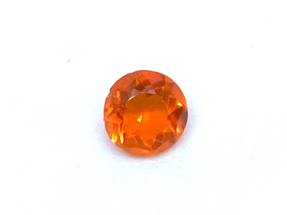 Fire Opal Round  0.14cts  3.7mm    Opa012