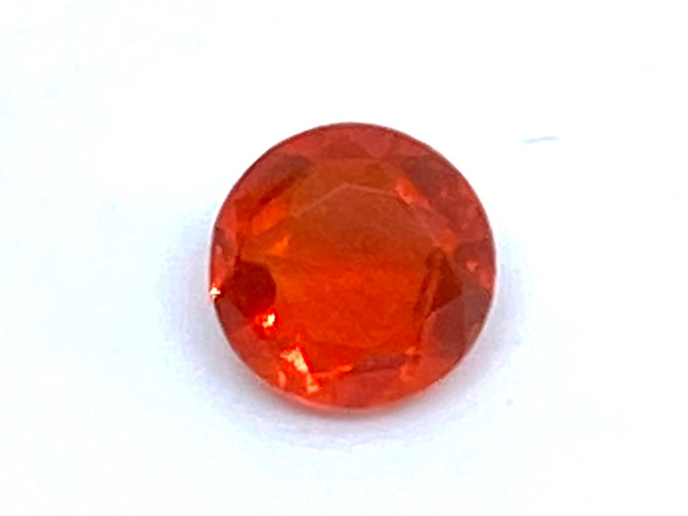 Fire Opal Round  0.26cts  4.8mm    Opa018