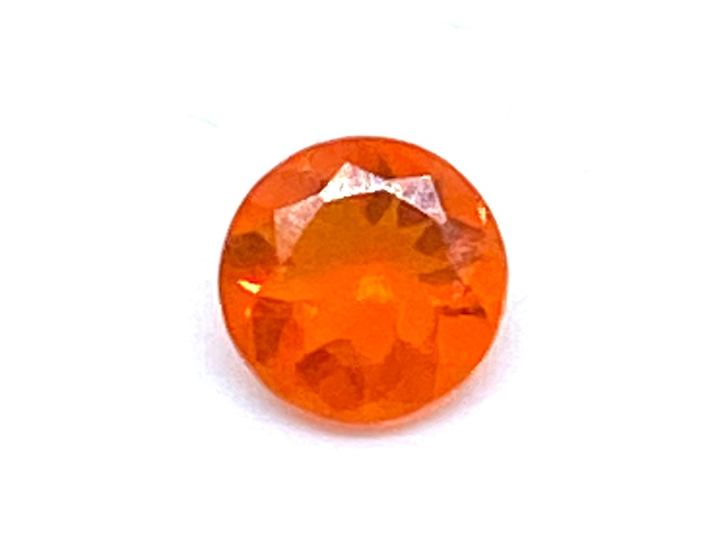 Fire Opal Round  0.33cts  5.3mm    Opa023