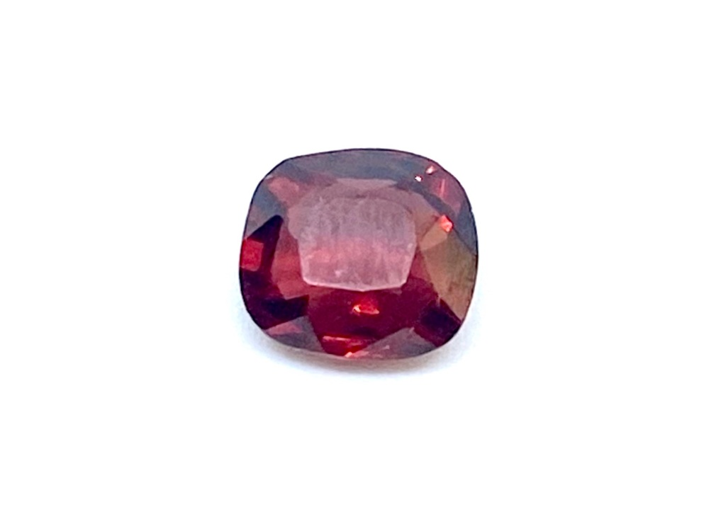Garnet  Cushion 1.57cts  Gar002