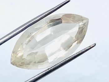 Natural Untreated Topaz 17.83cts    16.9mm x 17.30mm Top001