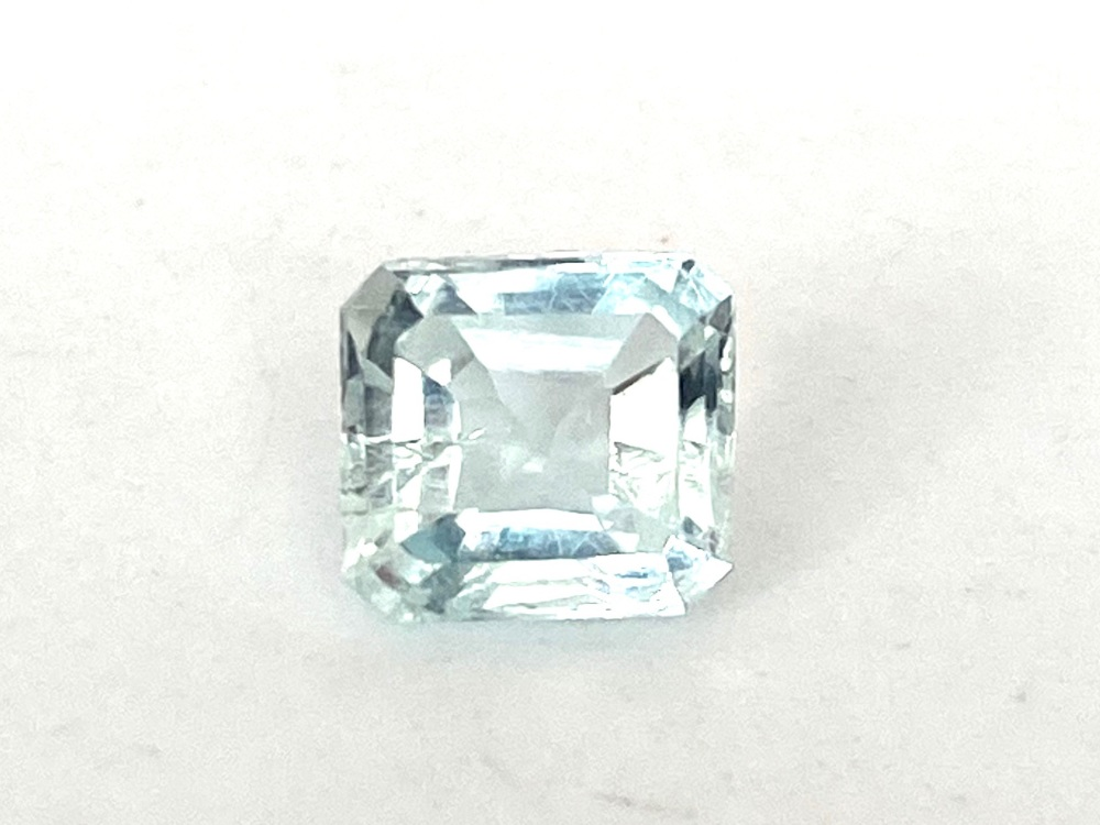 Aquamarine  Emerald Cut   1.14cts   6.8mm x 6.2mm   Aqu014