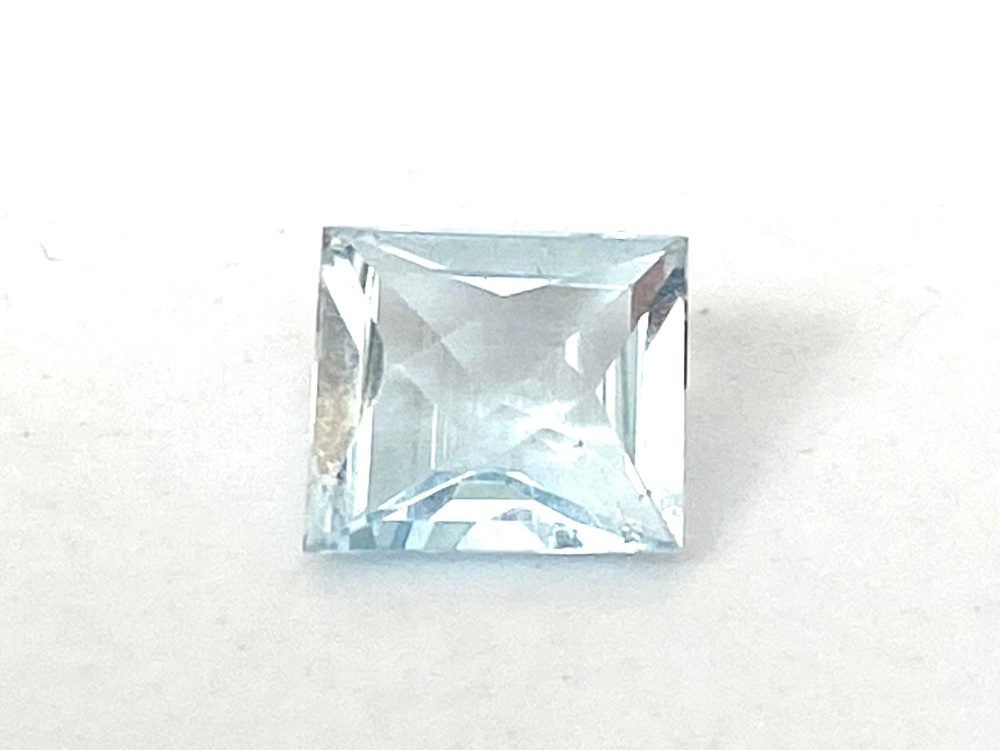Aquamarine     1.03cts   7mm x 6.3mm   Aqu019