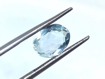 Aquamarine  Oval  1.75cts    9.5mm x 7.5mm   Aqu024