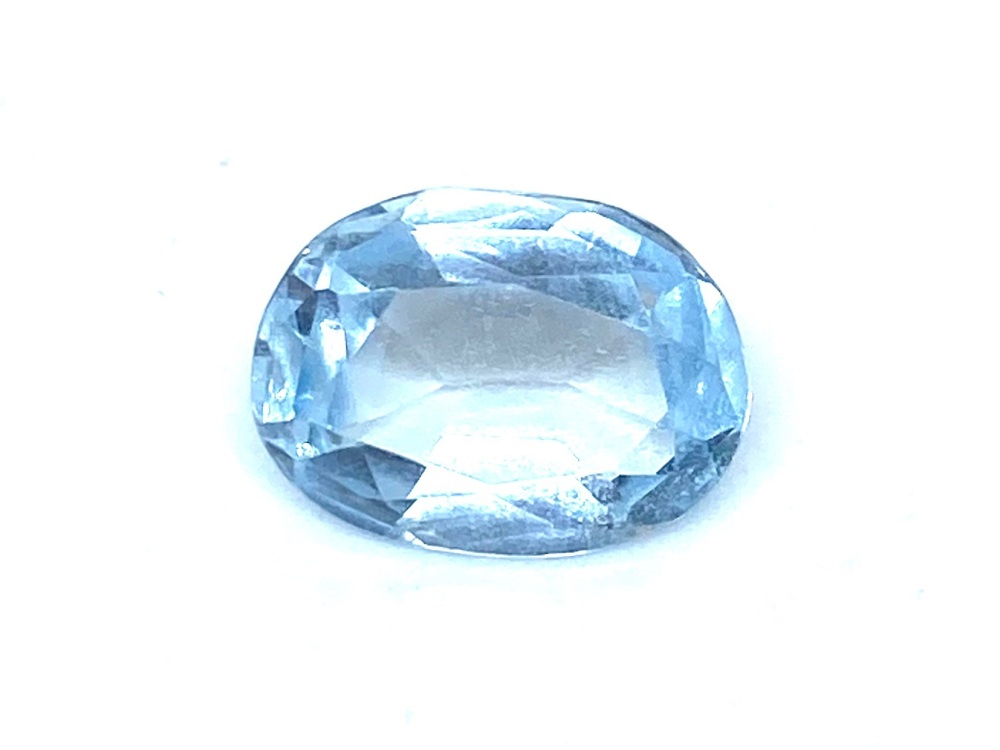 Aquamarine  Oval  1.36cts    9mm x 7mm   Aqu027