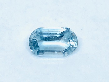 Aquamarine  Oval  0.76cts    7.5mm x 4.5mm   Aqu034