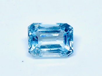Aquamarine  Trap Cut  2.10cts   9mm x 7mm   Aqu048