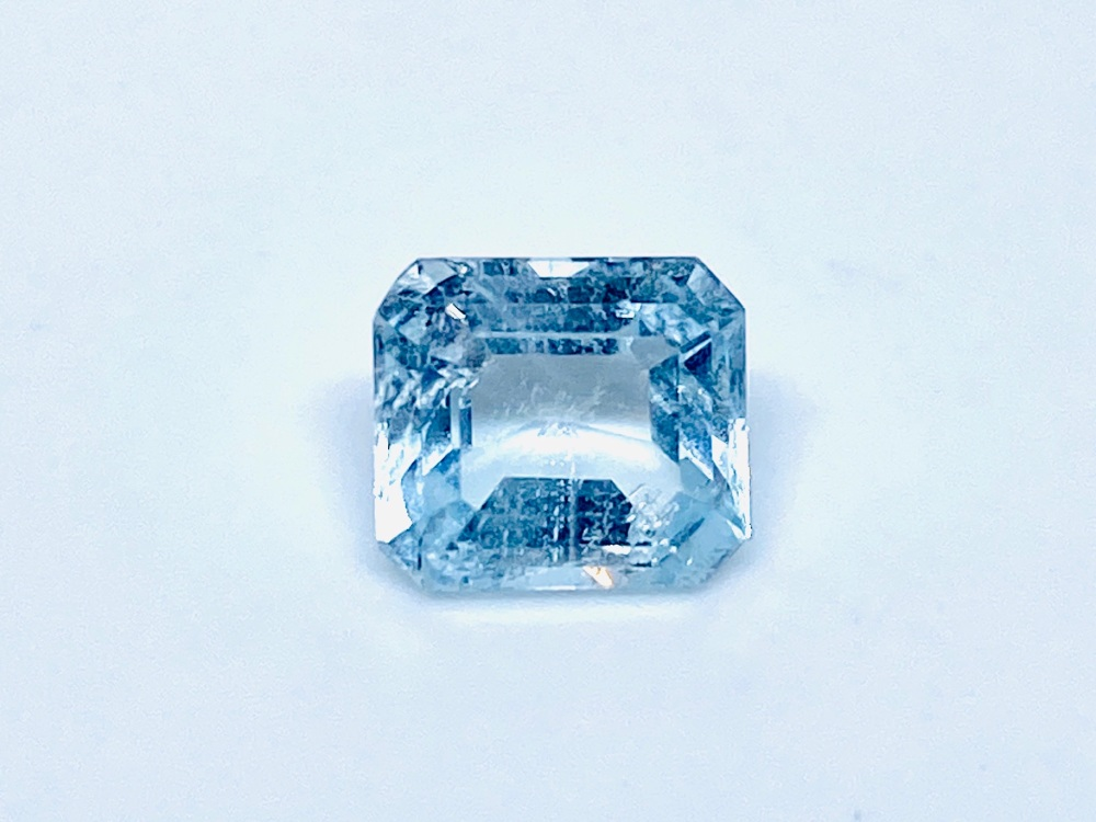Aquamarine  Trap Cut  1.41cts   7mm x 6mm   Aqu056
