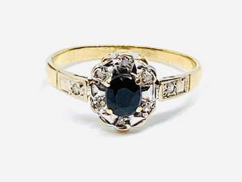 Sapphire and Diamond Ring set in yellow gold    size L