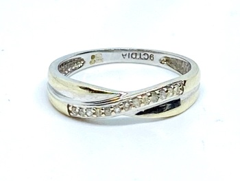 Diamond Crossover ring in 9ct white gold size K