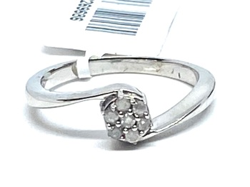 Diamond Ring Set in Silver 0.15cts    Size P