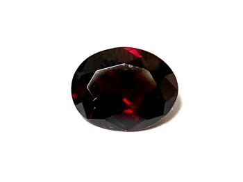 Garnet  Oval  Deep Red    10mm x 8mm   3.00cts      Gar016