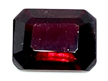 Garnet Deep Red  Trap Cut 8mm x 6mm   2.03cts      Gar035