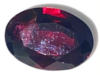 Garnet  Oval  Deep Red    10.8mm x 7.5mm   3.33cts      Gar037
