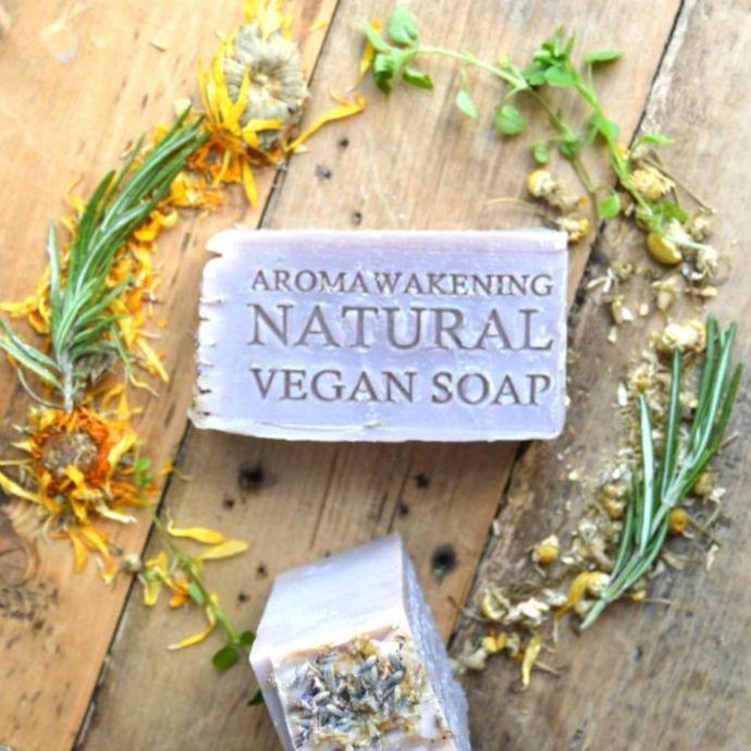 <!-- 002 -->Soap