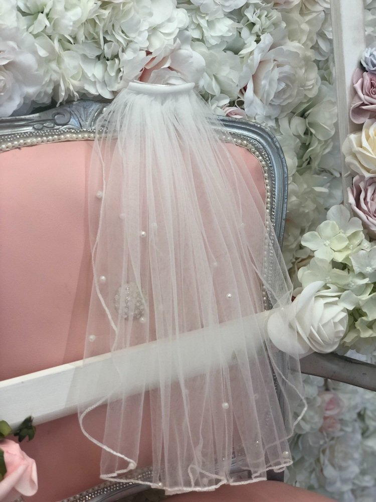 Short pearl veil