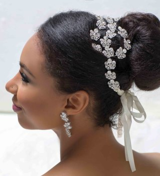 MEILI CRYSTAL FLORAL HEADBAND (WHITE)