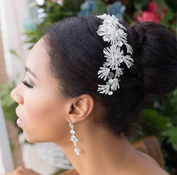 LORETTA CRYSTAL HAIR COMB (WHITE)