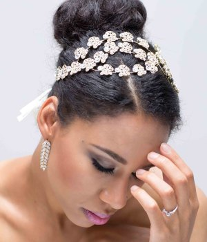 MEILI CRYSTAL FLORAL HEADBAND (GOLD)
