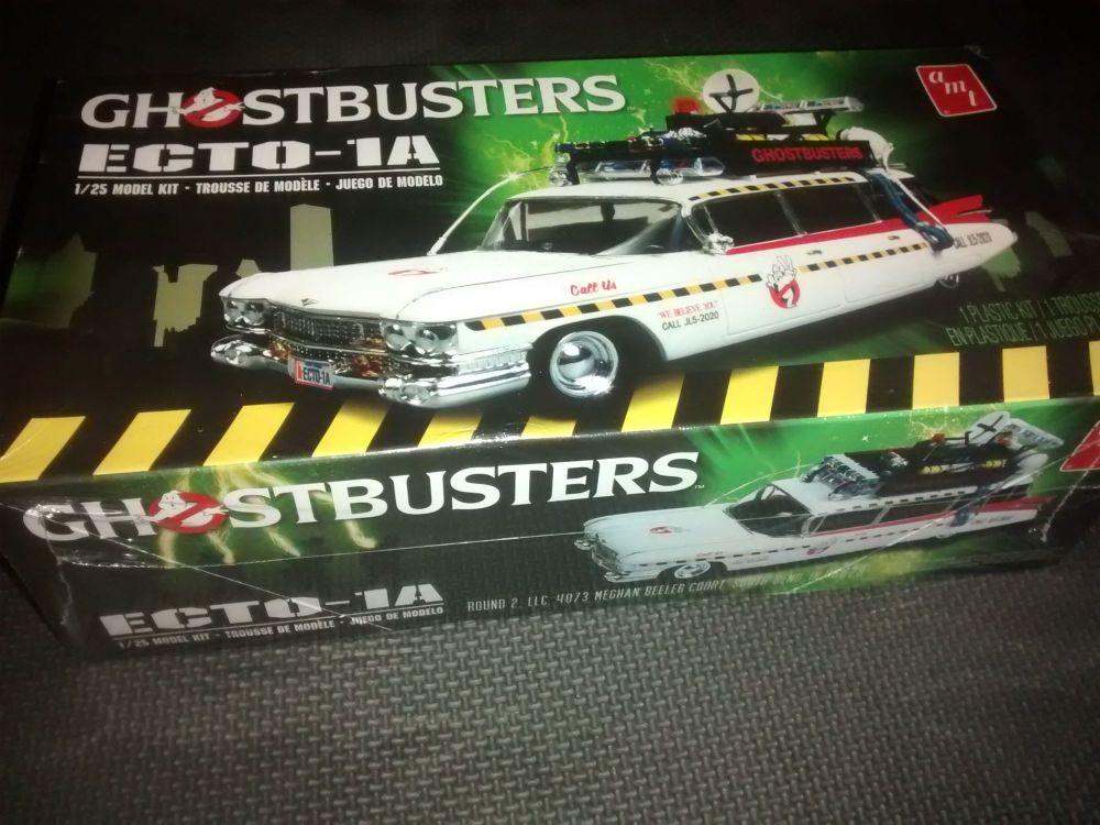 AMT Ghostbusters Ecto 1A Model Kit & Light Kit Bundle