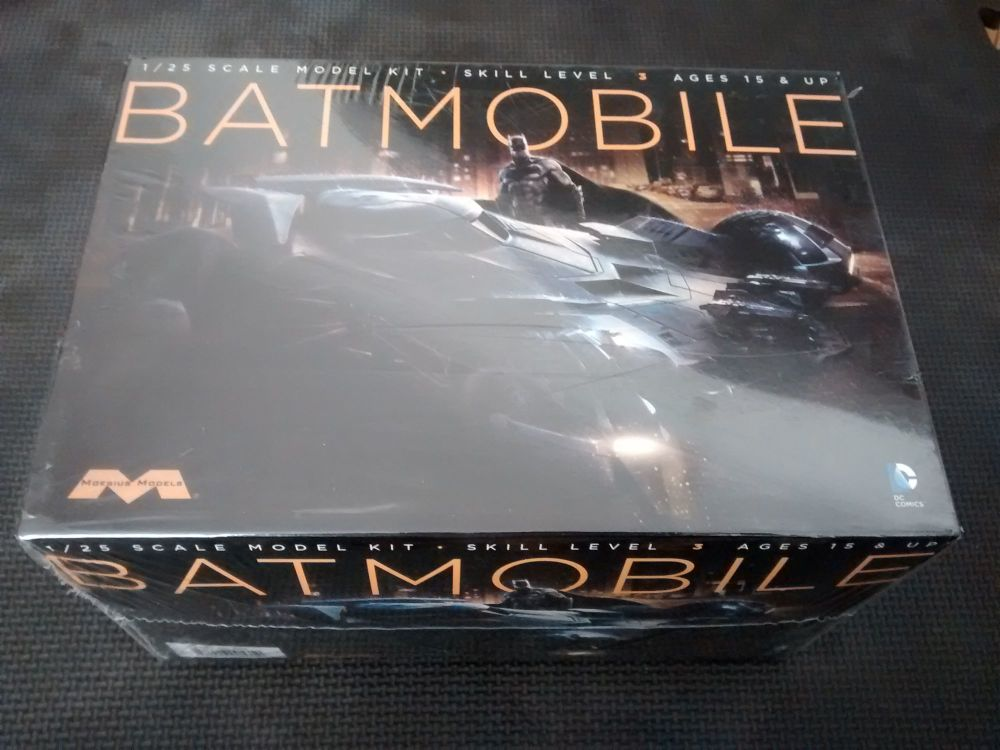 Moebius Models Batmobile - Batman Vs Superman - Dawn Of Justice - Detailed