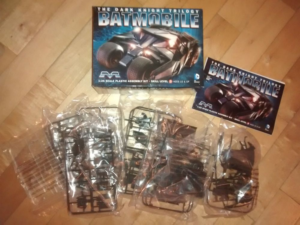Moebius Models - Batmobile - The Dark Knight Trilogy - 1:25 Scale - Tumbler