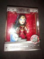 Metals Die Cast Wonder Woman Display Figure