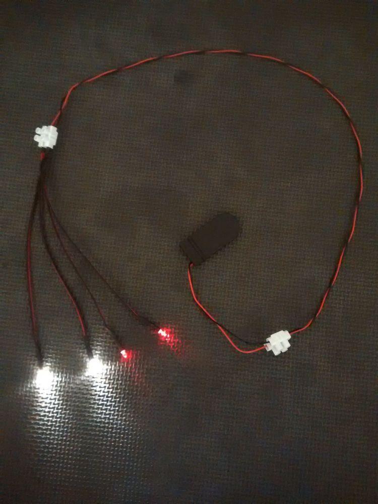 Model Display Car Led Light Kit - 3mm - x2 Warm White x2 Red CR2032 Battery