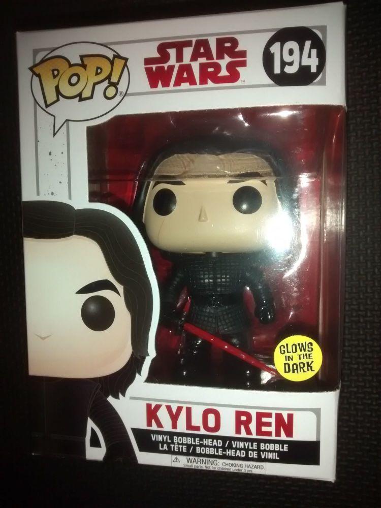 Pop Star Wars - Kylo Ren Vinyl Figure - Issue 194
