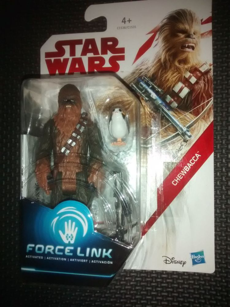 Star Wars Chewbacca Collectable Figure (plus Porg)  C1536/C1531 Force Link