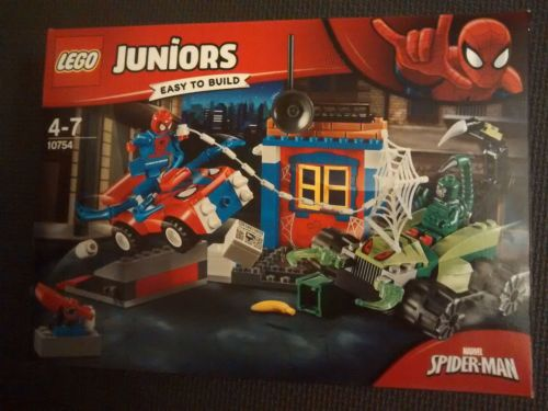 Lego Juniors - Marvel Spider-Man - 10754 - Age Range 4 to 7- Brand New & Se