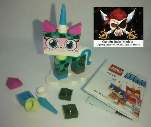 Lego Minifigs - Lego UNIKITTY Series 1 (Part Number 41775) - Camoflage Unik