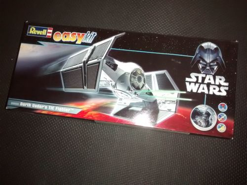 Revell Darth Vaders TIE Fighter - Star Wars - Model Kit - 06655 - 1:57 Scal