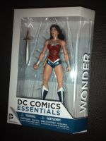 Dc Comics Essentials - Wonder Woman - DC Collectables