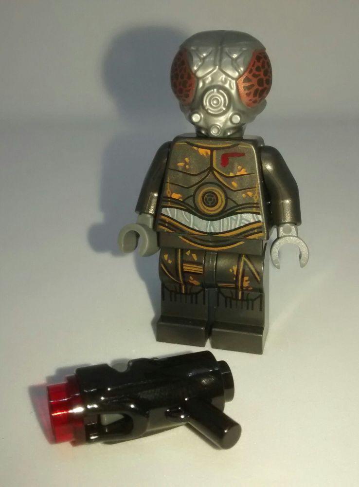 Lego Minifigure - 4-LOM - Split from set 75167