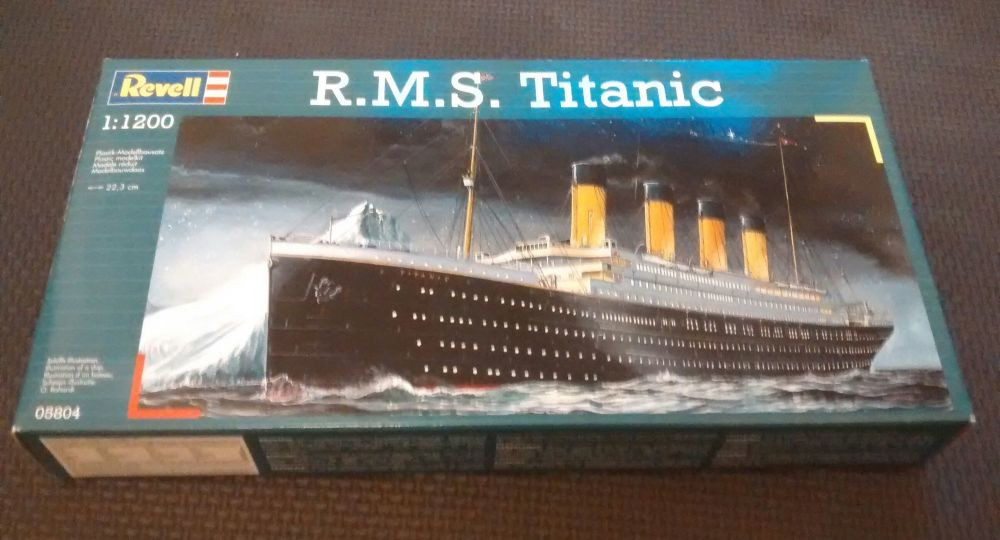 Revell R.M.S. Titantic Twin Model Set  1:1200 Scale - Kit Number 05804