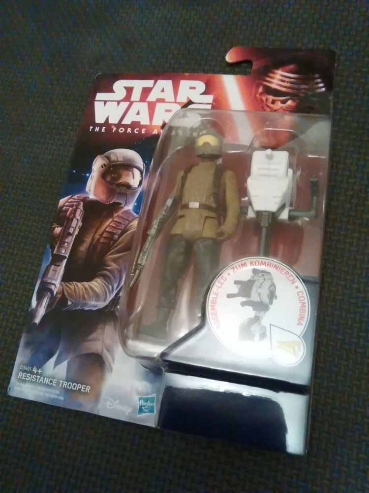 Star Wars The Force Awakens - Resistance Trooper Collectable Carded Figure