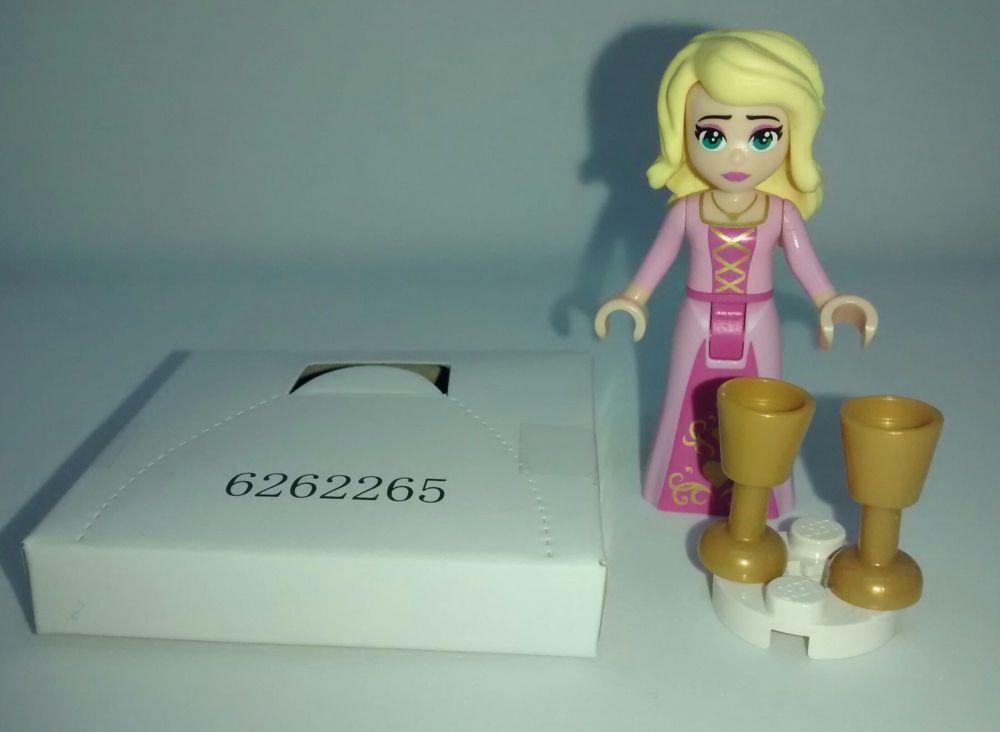 Lego Minifig - Lego Movie 2 - Susan - Split From Set 70824