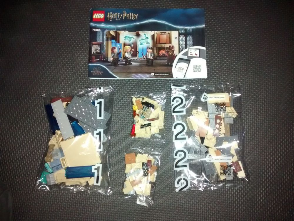 Lego Set - 75966 - Harry Potter - Hogwarts Room Of Requirement- NO MINIFIGU